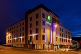 Cheltenham Holiday Inn Express on Cheltenham Night Out | Promoting Cheltenham's nightlife for a great night out in Cheltenham.